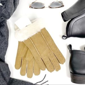 UGG Perforated Chestnut Shearling Cuff Gloves